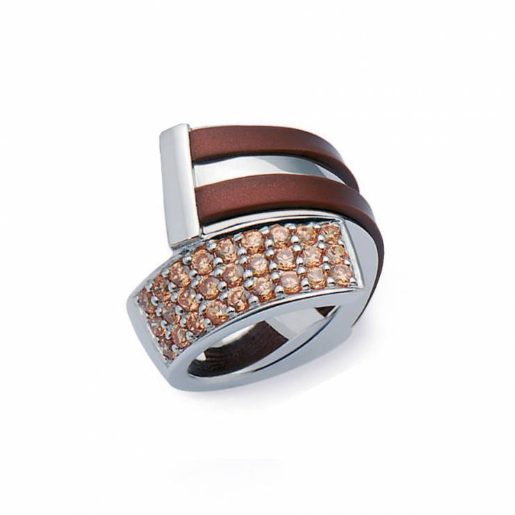 Sterling silver ring with brown rubber and champaign CZ, rhodium plated.