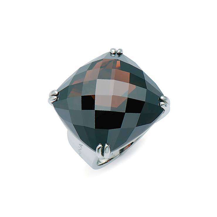 Sterling silver ring with Smokey Topaz quartz, rhodium plated.