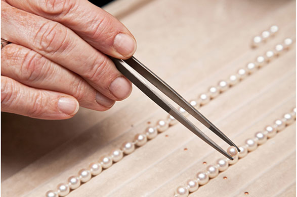 PEARLS AND BEADS RESTRINGING